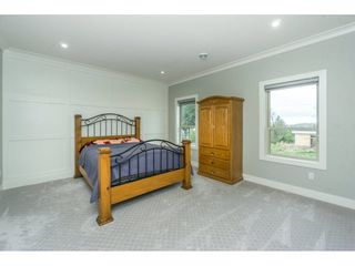 Photo 15: 5437 187 Street in Surrey: Cloverdale BC House for sale (Cloverdale)  : MLS®# R2254678