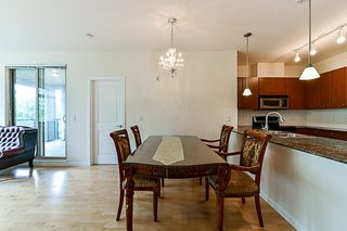 "Photo 5: 315 10180 153 Street in Surrey: Guildford Condo for sale in ""Charlton Park"" (North Surrey)  : MLS®# R2292035"