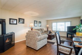 """Photo 3: 44 15875 20 Avenue in Surrey: King George Corridor Manufactured Home for sale in """"SEA RIDGE BAYS"""" (South Surrey White Rock)  : MLS®# R2333311"""
