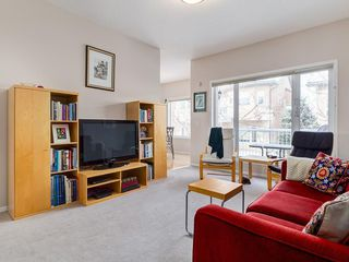 Photo 17: 25 SHANNON ESTATES Terrace SW in Calgary: Shawnessy Semi Detached for sale : MLS®# C4225624