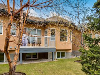 Photo 3: 25 SHANNON ESTATES Terrace SW in Calgary: Shawnessy Semi Detached for sale : MLS®# C4225624