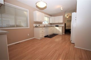 "Photo 5: 125 9080 198 Street in Langley: Walnut Grove Manufactured Home for sale in ""Forest Green Estates"" : MLS®# R2345229"