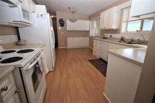 "Photo 4: 125 9080 198 Street in Langley: Walnut Grove Manufactured Home for sale in ""Forest Green Estates"" : MLS®# R2345229"