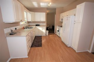 "Photo 3: 125 9080 198 Street in Langley: Walnut Grove Manufactured Home for sale in ""Forest Green Estates"" : MLS®# R2345229"
