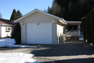 "Photo 1: 125 9080 198 Street in Langley: Walnut Grove Manufactured Home for sale in ""Forest Green Estates"" : MLS®# R2345229"