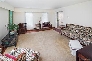 Photo 5: 1505 Laurel Lane in VICTORIA: Vi Rockland Single Family Detached for sale (Victoria)  : MLS®# 406658