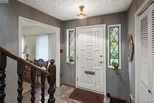 Photo 11: 1505 Laurel Lane in VICTORIA: Vi Rockland Single Family Detached for sale (Victoria)  : MLS®# 406658