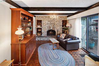 Photo 4: 1505 Laurel Lane in VICTORIA: Vi Rockland Single Family Detached for sale (Victoria)  : MLS®# 406658