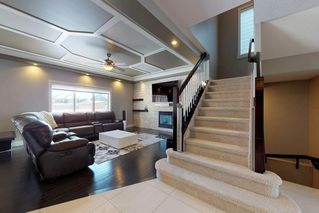 Photo 4: 3095 CAMERON HEIGHTS Way in Edmonton: Zone 20 House for sale : MLS®# E4152868