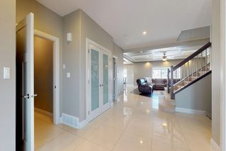 Photo 2: 3095 CAMERON HEIGHTS Way in Edmonton: Zone 20 House for sale : MLS®# E4152868