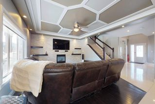 Photo 3: 3095 CAMERON HEIGHTS Way in Edmonton: Zone 20 House for sale : MLS®# E4152868