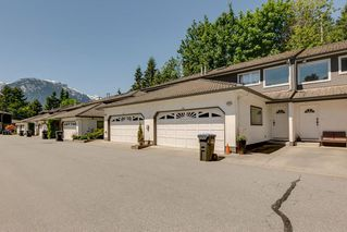 "Main Photo: 43 2401 MAMQUAM Road in Squamish: Garibaldi Highlands Townhouse for sale in ""Highland Glen"" : MLS®# R2365513"