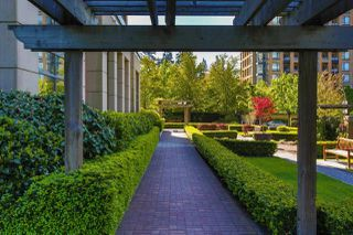 """Photo 19: 507 6833 STATION HILL Drive in Burnaby: South Slope Condo for sale in """"VILLA JARDIN"""" (Burnaby South)  : MLS®# R2369147"""