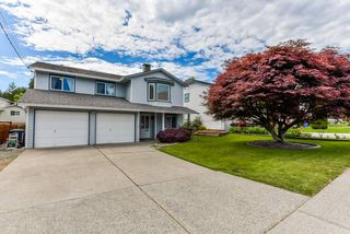 Photo 1: 6583 197 Street in Langley: Willoughby Heights House for sale : MLS®# R2372953
