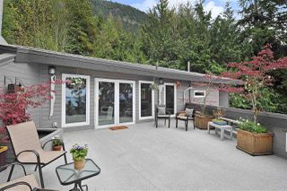 Photo 9: 252 STEWART Road: Lions Bay House for sale (West Vancouver)  : MLS®# R2375310