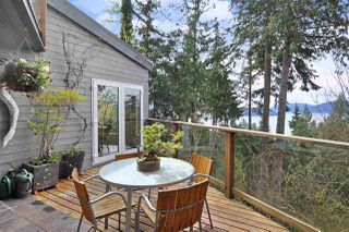 Photo 16: 252 STEWART Road: Lions Bay House for sale (West Vancouver)  : MLS®# R2375310