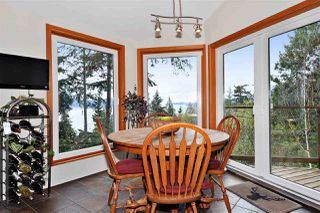 Photo 13: 252 STEWART Road: Lions Bay House for sale (West Vancouver)  : MLS®# R2375310