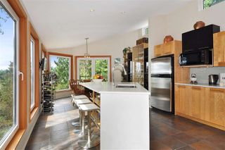 Photo 1: 252 STEWART Road: Lions Bay House for sale (West Vancouver)  : MLS®# R2375310