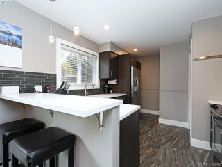 Photo 7: 2744 Whitehead Pl in VICTORIA: Co Colwood Corners Half Duplex for sale (Colwood)  : MLS®# 819559