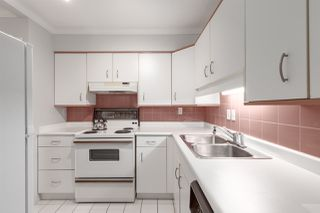 Photo 7: 302 1665 ARBUTUS Street in Vancouver: Kitsilano Condo for sale (Vancouver West)  : MLS®# R2404532