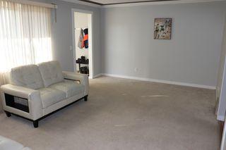 Photo 8: 5708 143 Avenue in Edmonton: Zone 02 Townhouse for sale : MLS®# E4174841