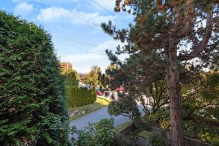Photo 15: 203 1721 ST. GEORGES Avenue in North Vancouver: Central Lonsdale Condo for sale : MLS®# R2412918