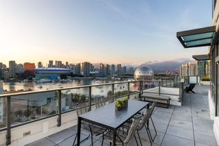 "Photo 2: 1101 1678 PULLMAN PORTER Street in Vancouver: Mount Pleasant VE Condo for sale in ""Navio"" (Vancouver East)  : MLS®# R2439791"