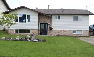 Photo 1: 31 MUNRO Crescent in Mackenzie: Mackenzie -Town House for sale (Mackenzie (Zone 69))  : MLS®# R2462403