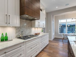 Photo 13: 2015 45 Avenue SW in Calgary: Altadore Detached for sale : MLS®# A1017768