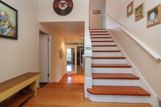 Photo 4: 2210 Arbutus Rd in : SE Arbutus House for sale (Saanich East)  : MLS®# 859566