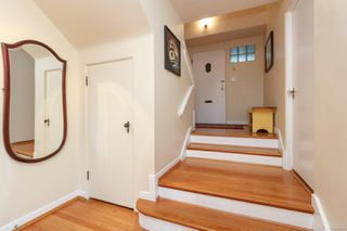 Photo 5: 2210 Arbutus Rd in : SE Arbutus House for sale (Saanich East)  : MLS®# 859566