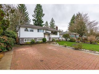 Photo 3: 924 GROVER Avenue in Coquitlam: Coquitlam West House for sale : MLS®# R2524127