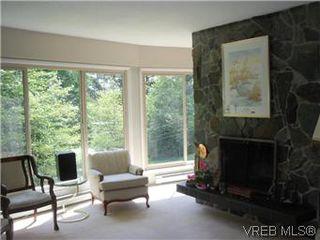 Photo 9: 5162 Lochside Dr in VICTORIA: SE Cordova Bay House for sale (Saanich East)  : MLS®# 571275