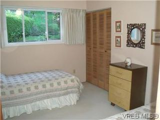 Photo 11: 5162 Lochside Dr in VICTORIA: SE Cordova Bay House for sale (Saanich East)  : MLS®# 571275