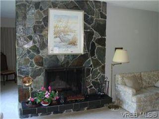 Photo 10: 5162 Lochside Dr in VICTORIA: SE Cordova Bay House for sale (Saanich East)  : MLS®# 571275