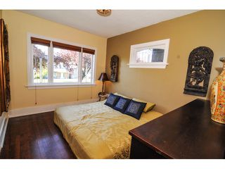 Photo 5: 2704 GRAVELEY ST in Vancouver: Renfrew VE House for sale (Vancouver East)  : MLS®# V953475