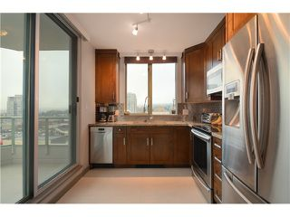 """Photo 6: 905 140 E 14TH Street in North Vancouver: Central Lonsdale Condo for sale in """"SPRINGHILL PLACE"""" : MLS®# V1062590"""
