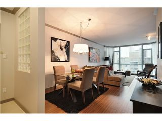 """Photo 11: 905 140 E 14TH Street in North Vancouver: Central Lonsdale Condo for sale in """"SPRINGHILL PLACE"""" : MLS®# V1062590"""