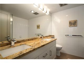 """Photo 8: 905 140 E 14TH Street in North Vancouver: Central Lonsdale Condo for sale in """"SPRINGHILL PLACE"""" : MLS®# V1062590"""