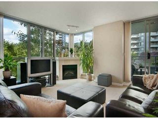 """Photo 5: 206 295 GUILDFORD Way in Port Moody: North Shore Pt Moody Condo for sale in """"THE BENTLEY"""" : MLS®# V1084423"""