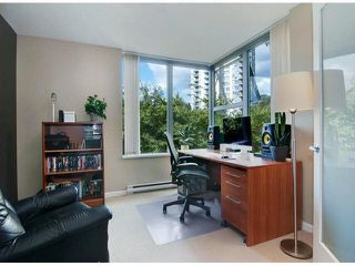 """Photo 7: 206 295 GUILDFORD Way in Port Moody: North Shore Pt Moody Condo for sale in """"THE BENTLEY"""" : MLS®# V1084423"""