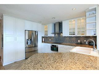 """Photo 2: 8513 SEASCAPE Drive in West Vancouver: Howe Sound Townhouse for sale in """"SEASCAPES - BELLEVUE PLAN"""" : MLS®# V1113049"""