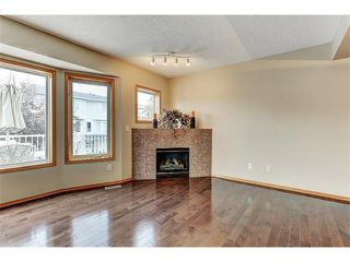 Photo 11: 462 REGAL Park NE in Calgary: Renfrew_Regal Terrace House for sale : MLS®# C4019650