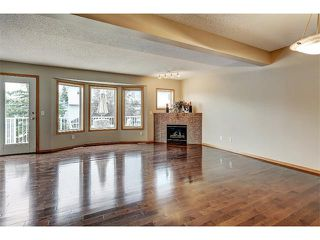 Photo 10: 462 REGAL Park NE in Calgary: Renfrew_Regal Terrace House for sale : MLS®# C4019650
