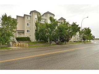 Photo 3: 408 280 SHAWVILLE Way SE in Calgary: Shawnessy Condo for sale : MLS®# C4023552