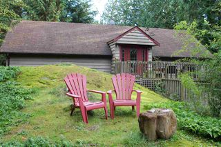 Photo 1: 2253 GAIL Road in Gibsons: Roberts Creek House for sale (Sunshine Coast)  : MLS®# R2010908