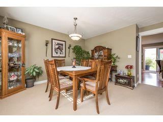 """Photo 5: 4063 CHANNEL Street in Abbotsford: Abbotsford East House for sale in """"Sandyhill"""" : MLS®# R2078342"""