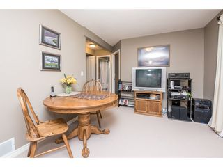 """Photo 16: 4063 CHANNEL Street in Abbotsford: Abbotsford East House for sale in """"Sandyhill"""" : MLS®# R2078342"""