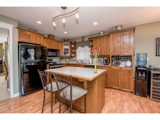 """Photo 8: 4063 CHANNEL Street in Abbotsford: Abbotsford East House for sale in """"Sandyhill"""" : MLS®# R2078342"""