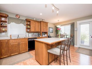 """Photo 9: 4063 CHANNEL Street in Abbotsford: Abbotsford East House for sale in """"Sandyhill"""" : MLS®# R2078342"""